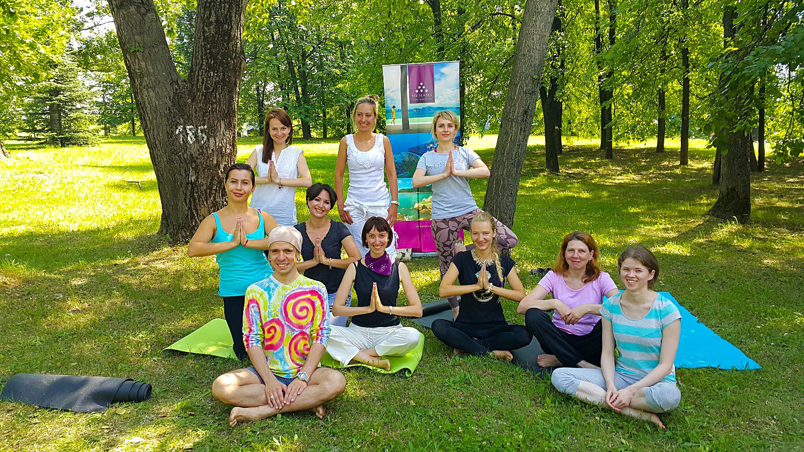 Six Senses International Yoga Day with travel partners (2)