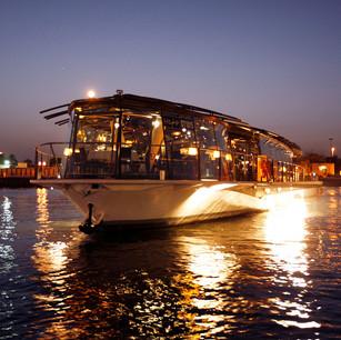 Гурмэ-круиз класса люкс Bateaux Dubai (Бато Дубай)