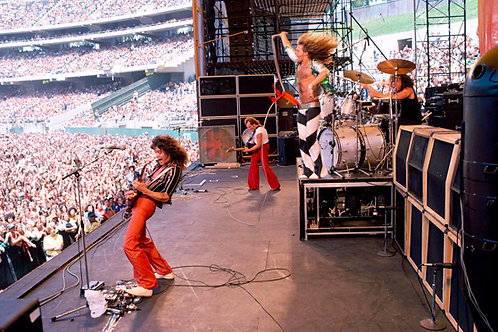 Van Halen-032 - Oakland, California