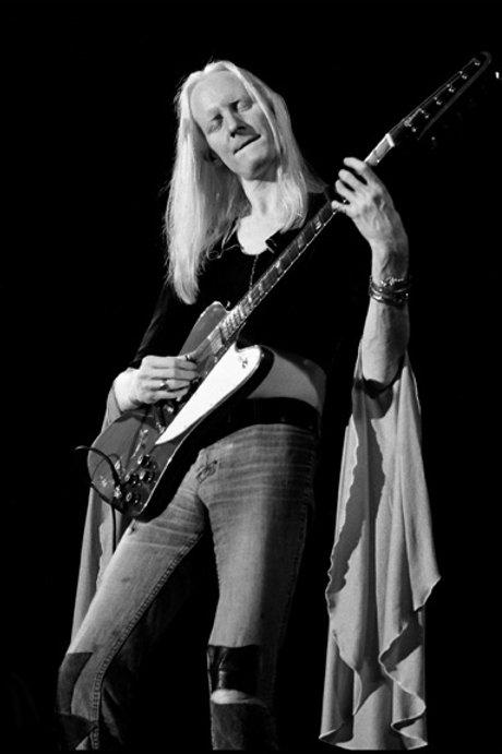 Johnny Winter - 002 - 1974 - Live