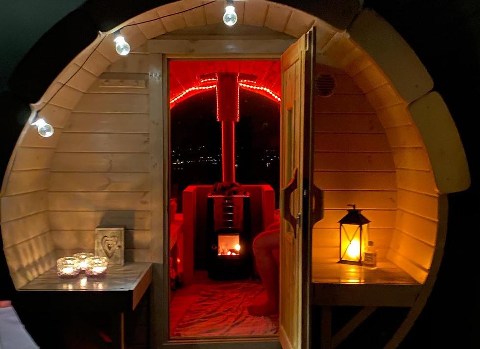 Badstue under stjernehimmelen, Indal Forest Retreat