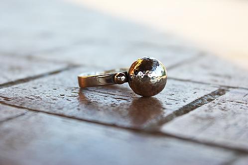 Ασημένιο δαχτυλίδι -μπάλα   D79
