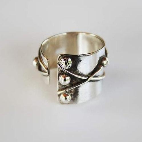 Ανοιχτό  ασημένιο δαχτυλίδι  D31