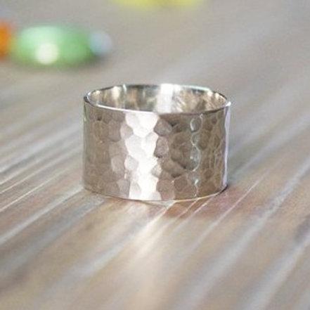 Σφυρήλατο ασημένιο δαχτυλίδι  D62