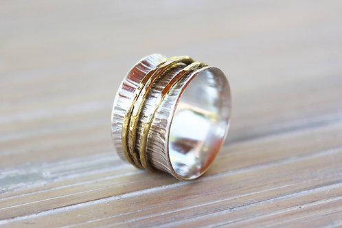 Ανάγλυφο ασημένιο δαχτυλίδι- spinner ring D93