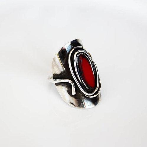 Ασημένιο δαχτυλίδι με τσέχικη κόκκινη  πέτρα D44