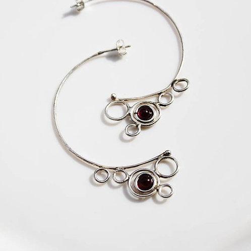 Ασημένια σκουλαρίκια μισοφέγγαρα με γρανάτη EA23