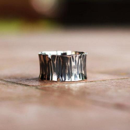 Ασημένιο unisex σφυρήλατο δαχτυλίδι D26