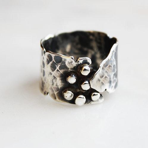 Ασημένιο unisex σφυρήλατο δαχτυλίδι D87