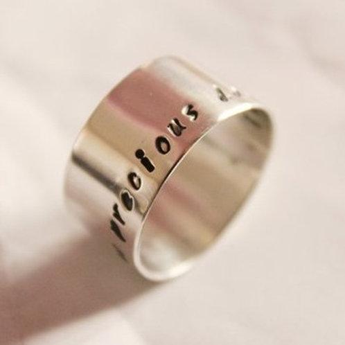 Ασημένιο δαχτυλίδι με κείμενο της  επιλογής σας   D66