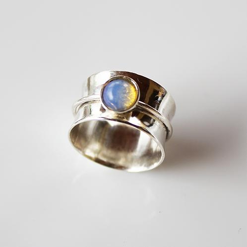 Ασημένιο δαχτυλίδι με 0,8cm Οπάλιο-Spinner ring D55