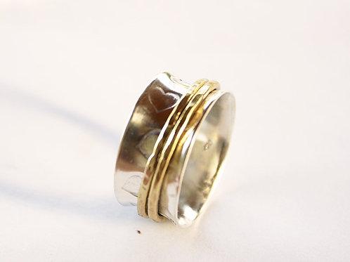 Ανάγλυφες καρδιές σε ασημένιο δαχτυλίδι Spinner ring  D97