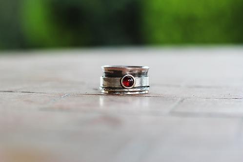 Ασημένιο με ημιπολύτιμη πέτρα Γρανάτη-spinner ring  D43