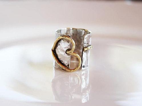 Ανοιχτό  ασημένιο σφυρήλατο δαχτυλίδι καρδιά  D42