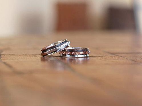 Στενό Ασημένιο δαχτυλίδι με οξείδωση -spinner ring  D60