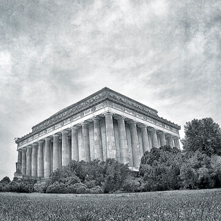 Lincoln Memorial 4904-cropped-bw