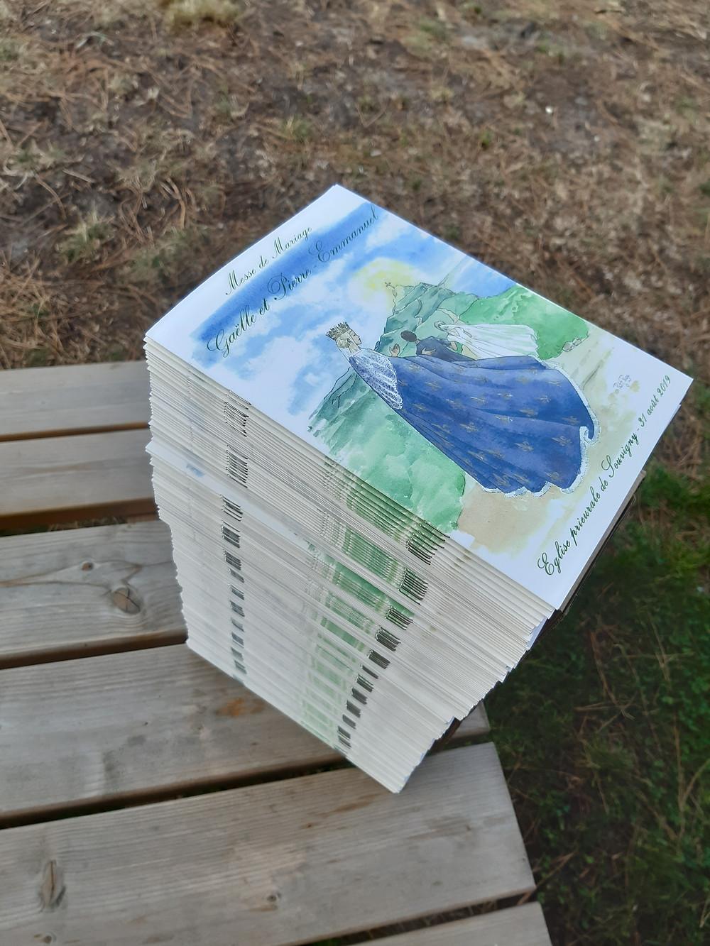 Une pile de livrets de messe