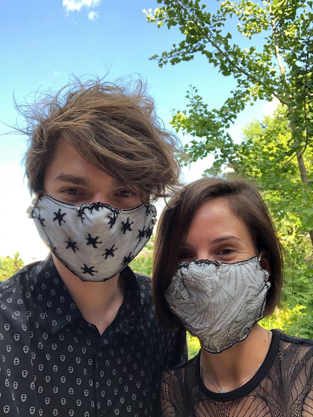 Des masques sanitaires en dentelle de Caudry