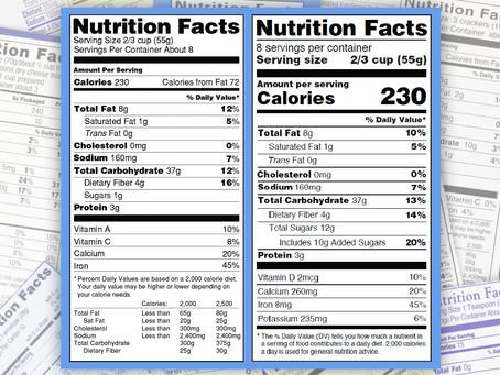 Nova rotulagem da FDA  inclui pote inteiro de sorvete e pacote todo de chips
