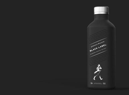 """Johnnie Walker cria garrafa """"de papel"""" a ser lançada em 2021"""
