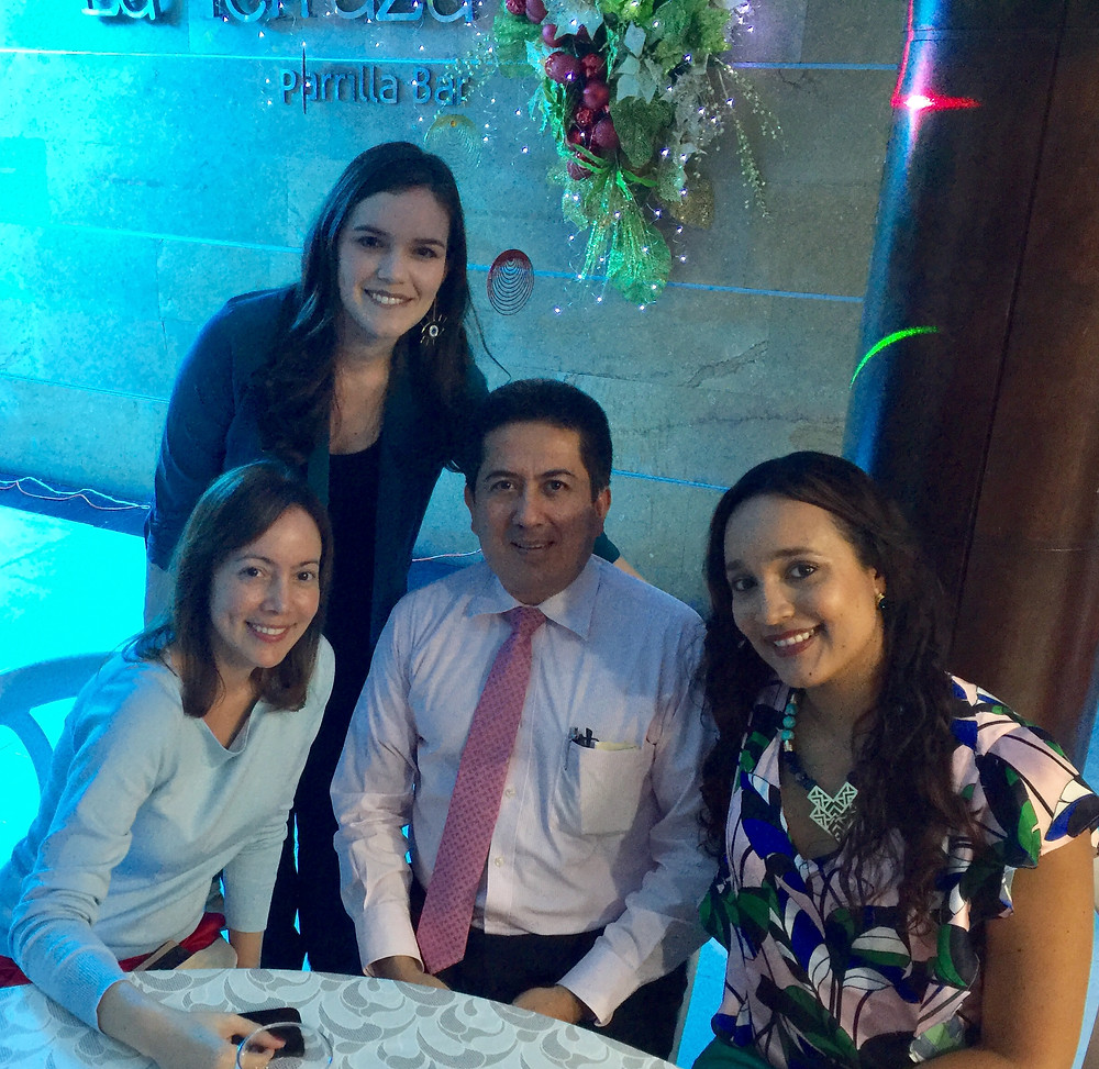 Dra. Andrea Melo (Oculoplástica), Dra. Mayra Londoño (Oftalmóloga, Dr. Oscar E Piñeros (Director del Programa), Dra. Johanna Urrego (Oftalmóloga)