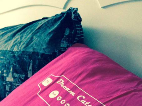 Parce que Sanae passe de plus en plus de temps à réfléchir ... dans son lit ...