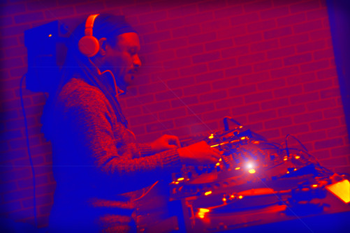 DJ  GENE KING