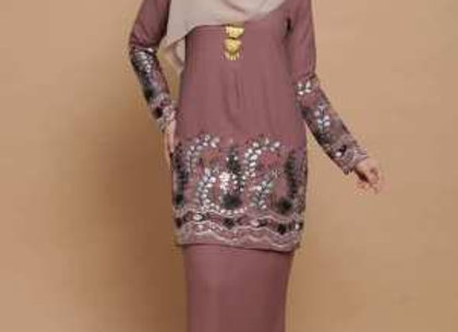 Wet/Dry Clean-Baju Kurung Half Sequin Lady