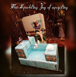 """The Sparkling Joy of upcycling """"The crea"""