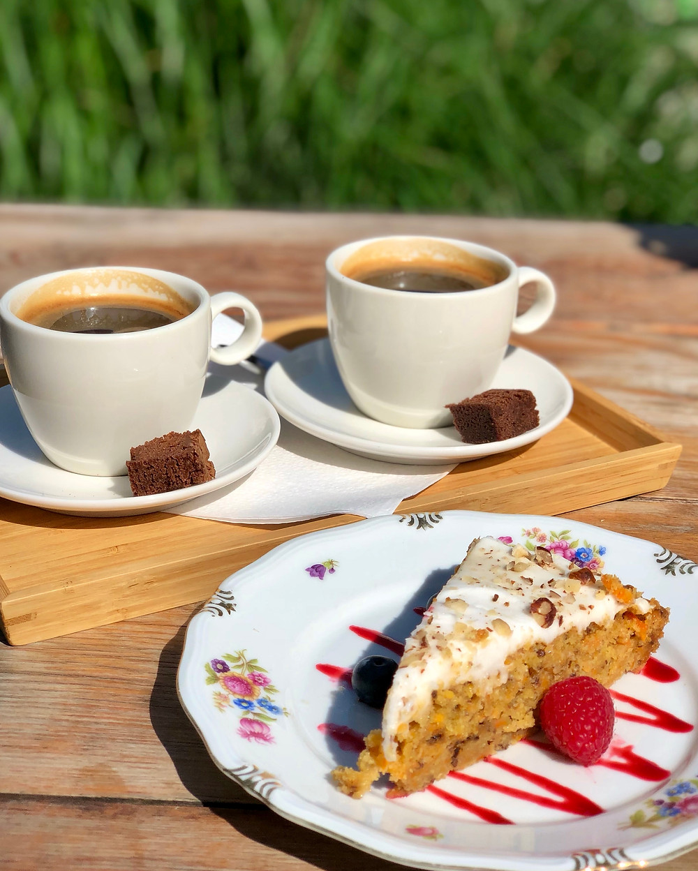 Coffee and carrot cake at Kato Gâteaux Mechelen