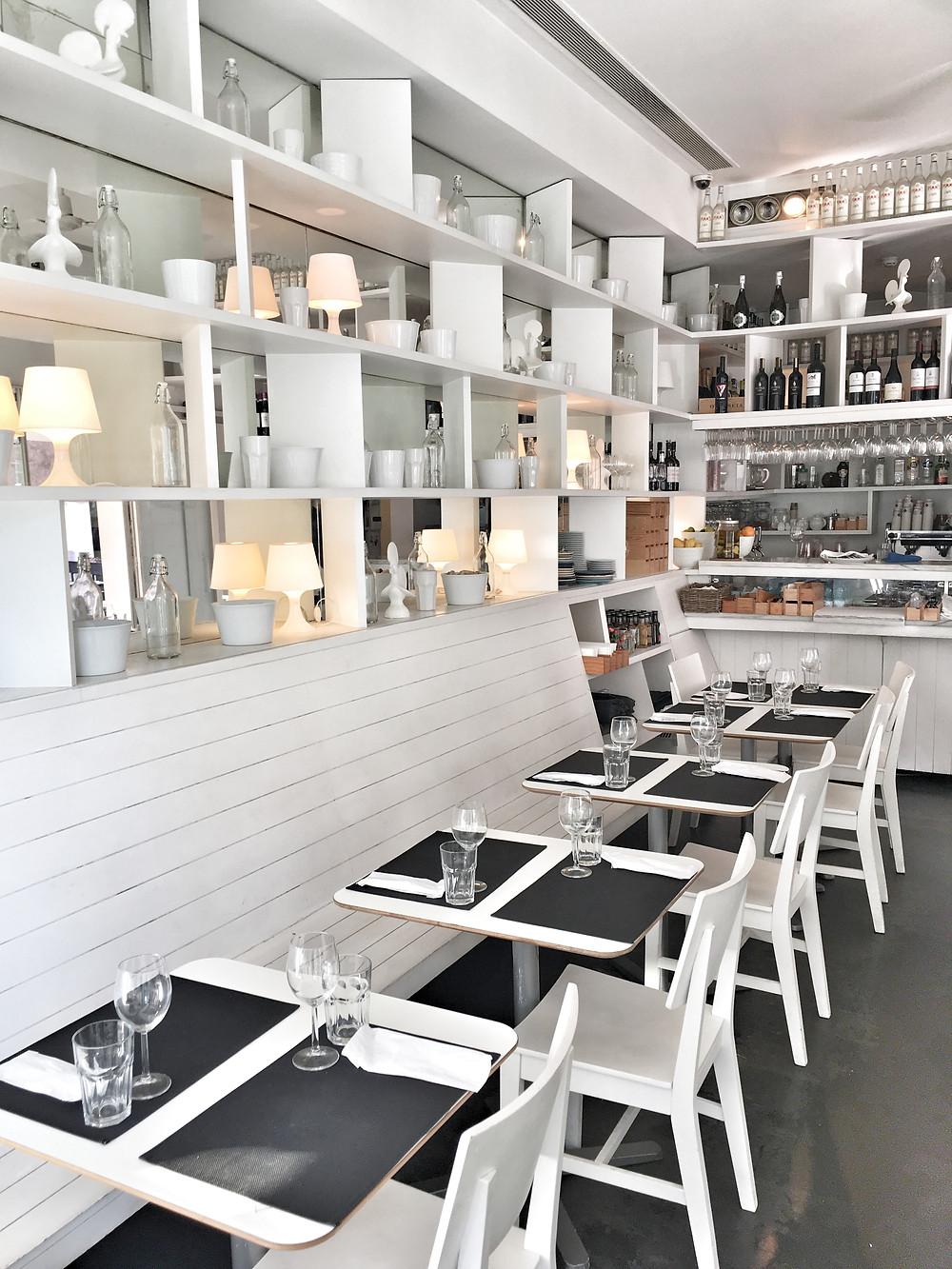 Pimms Café in Porto