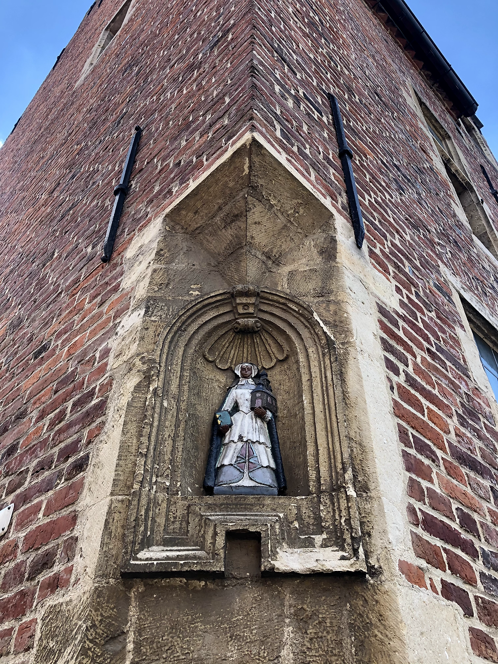 Statue of beguine in Leuven