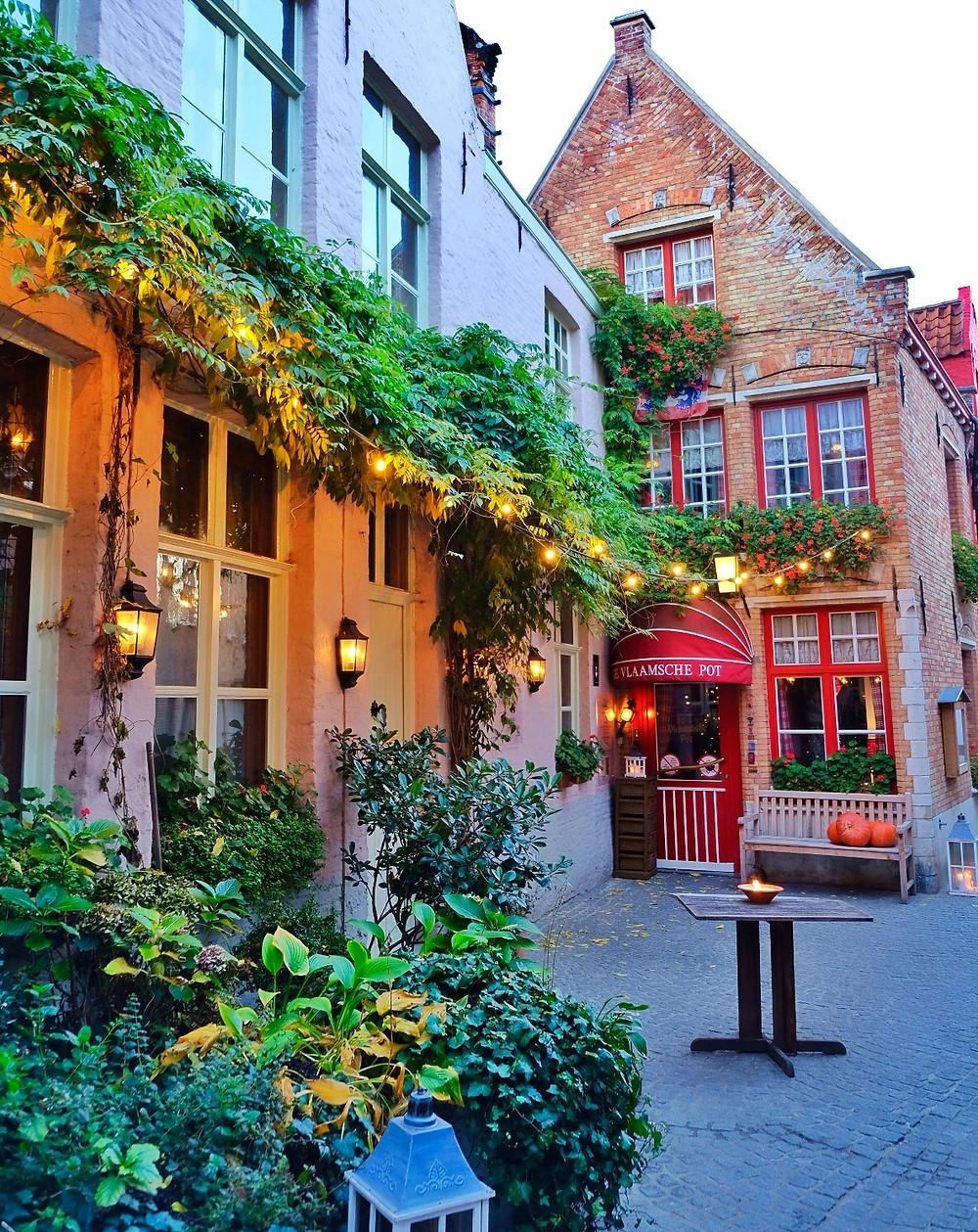 Restaurant De Vlaamsche Pot in Bruges