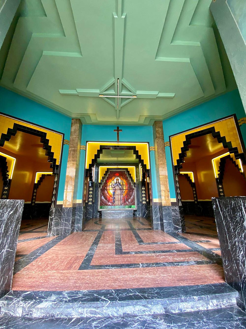 Art Deco entrance of Broederschool Sint-Niklaas
