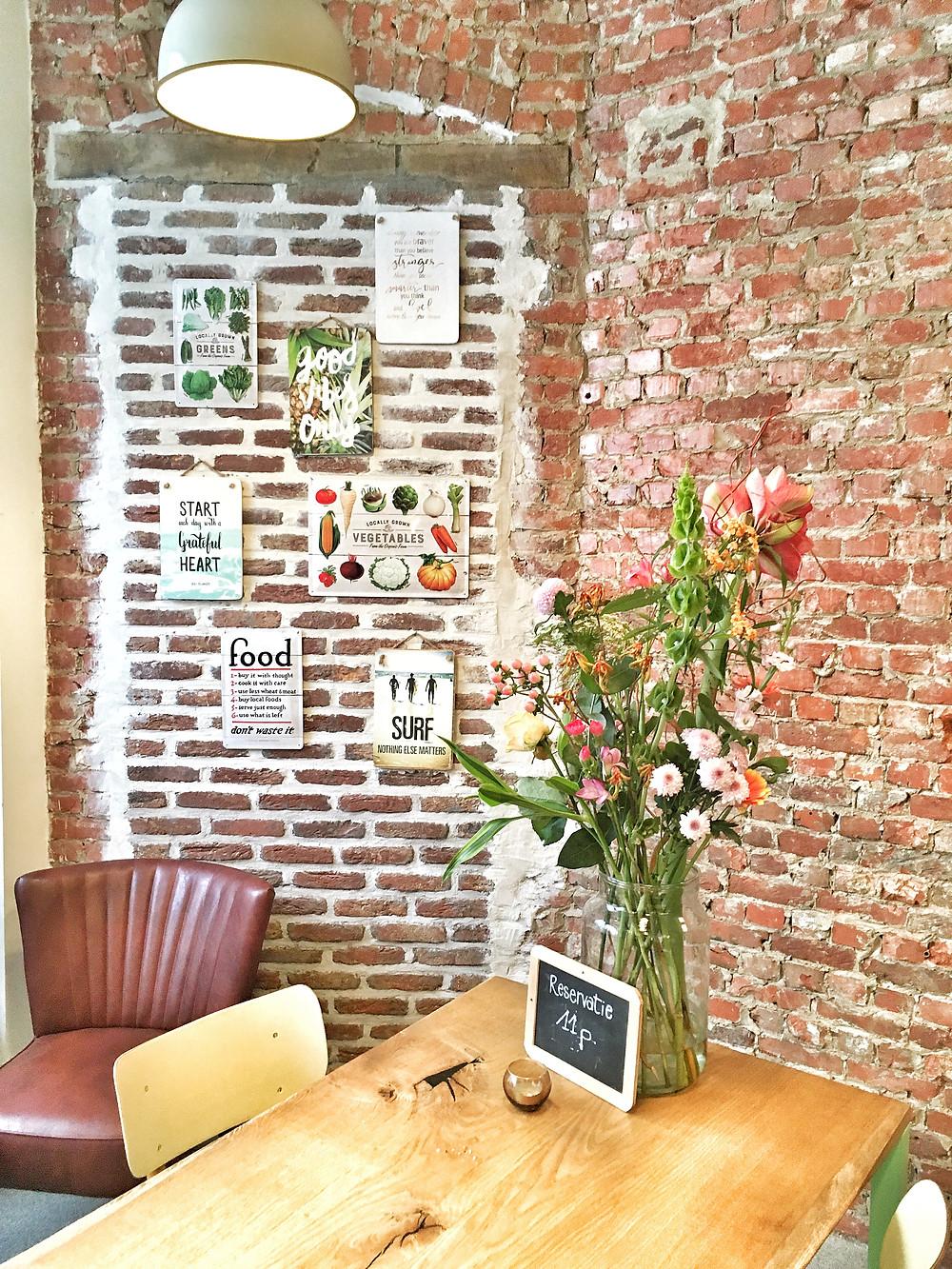 Interior of O'yo Healthy Food in Ghent