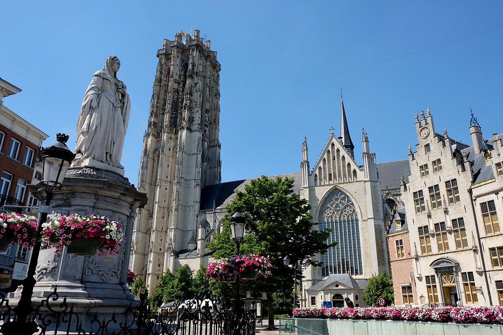 Statue Margaret of Austria in Mechelen
