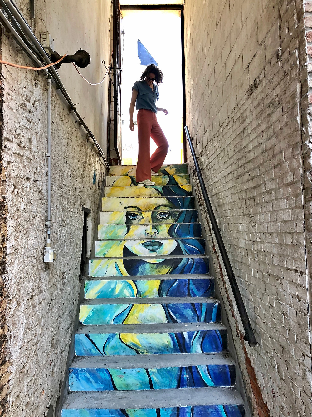 Lonnies Planet at street art by Sarah Vanden Branden Mechelen