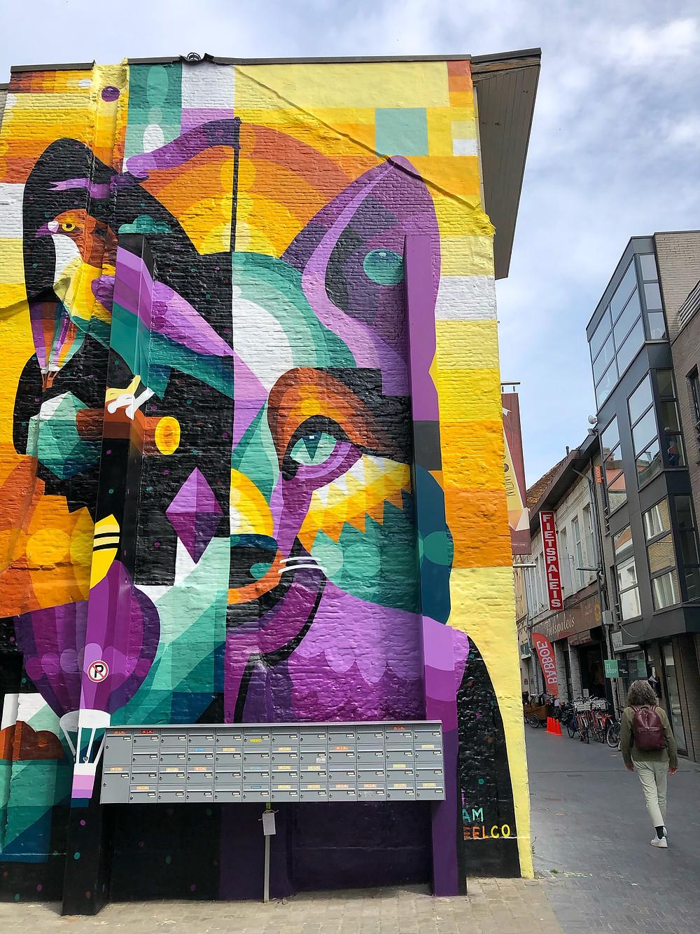 Mural by 'I am Eelco' at Nieuwstraat Sint-Niklaas