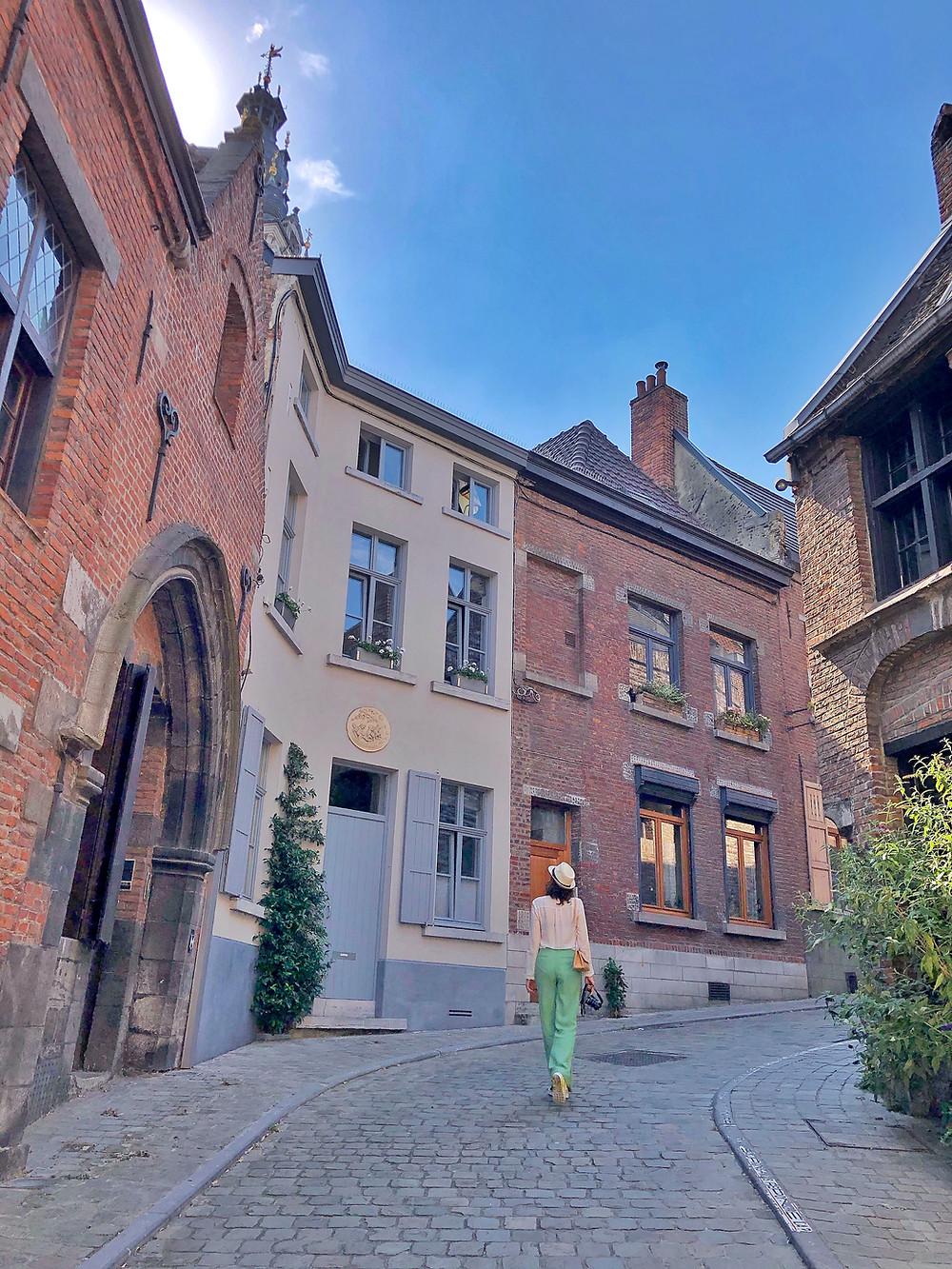 Lonnies Planet in Mons Belgium