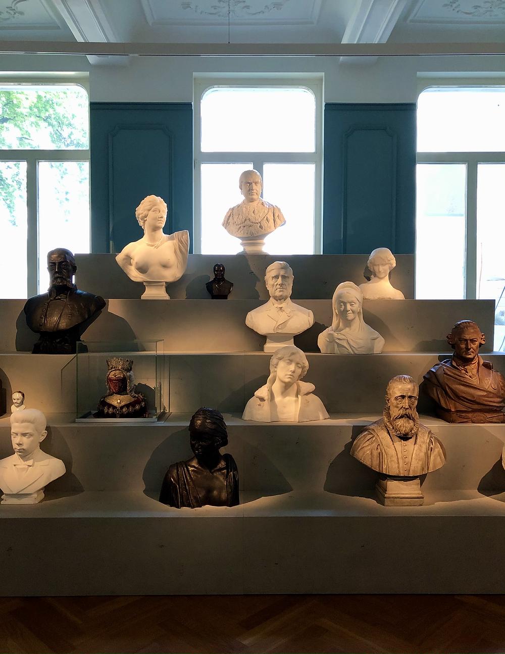 Busts at M Leuven
