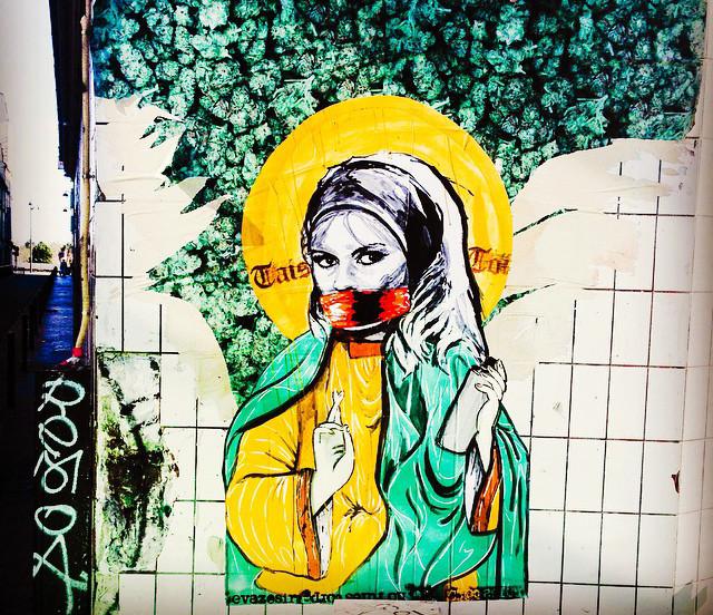 Street art by Evazé & Sir in Paris