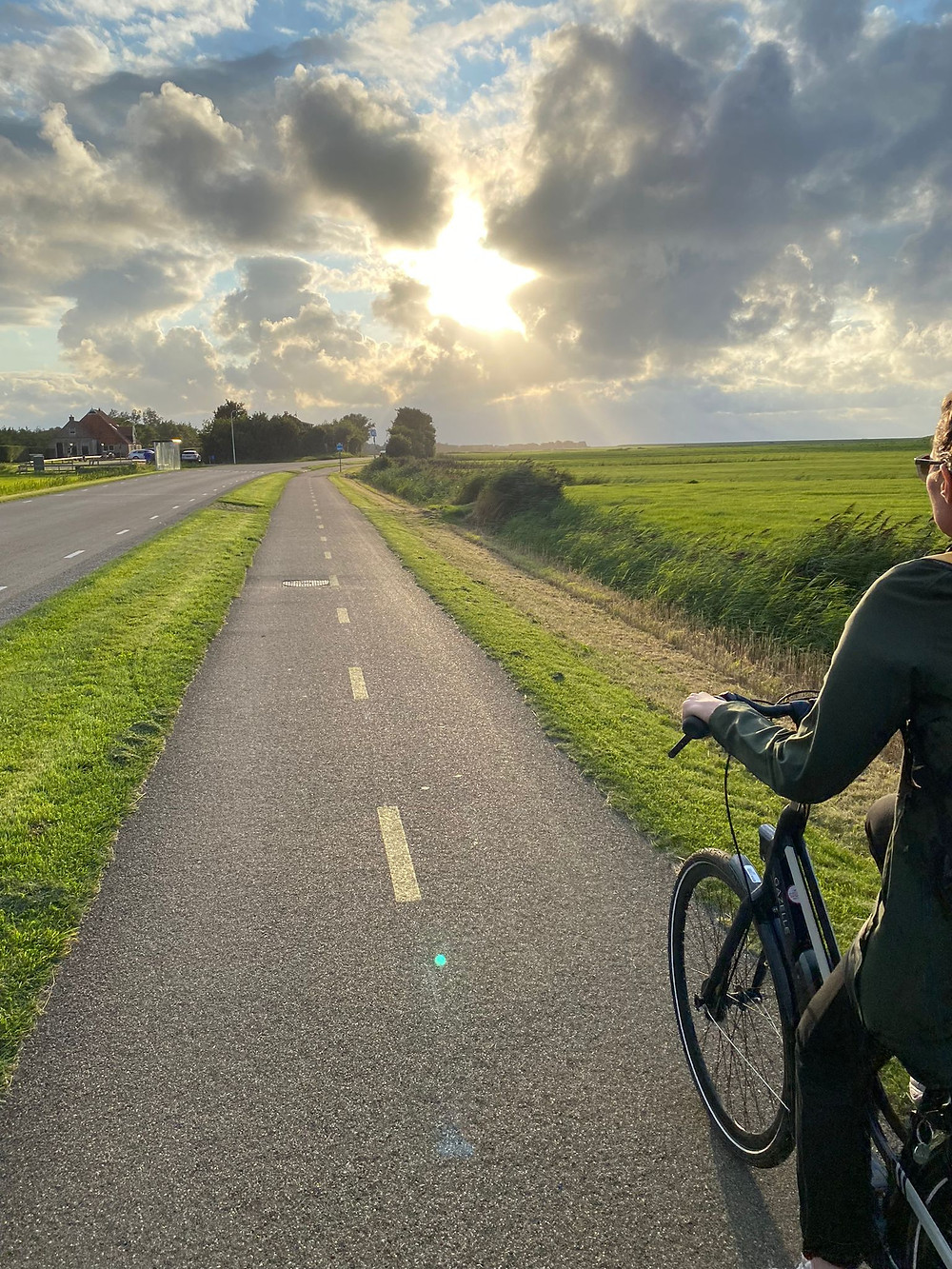 Lonnies Planet on bike from Haantjes Rijwielverhuur Terschelling