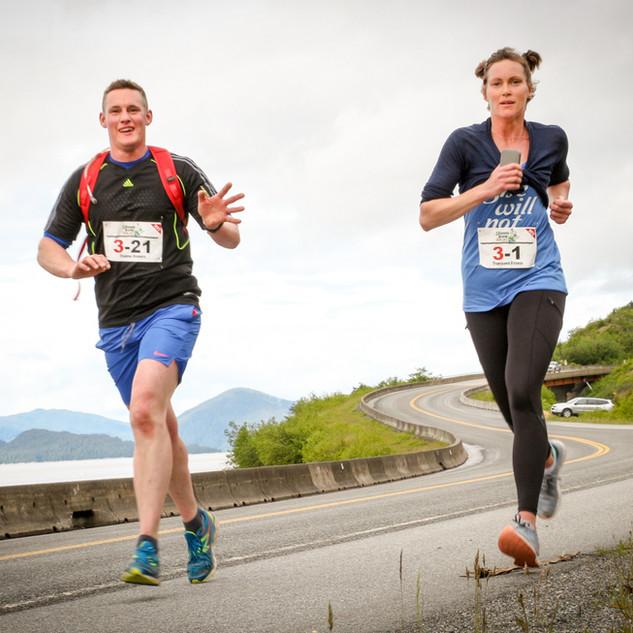 Two Runners.1.SKK17.SL.jpg