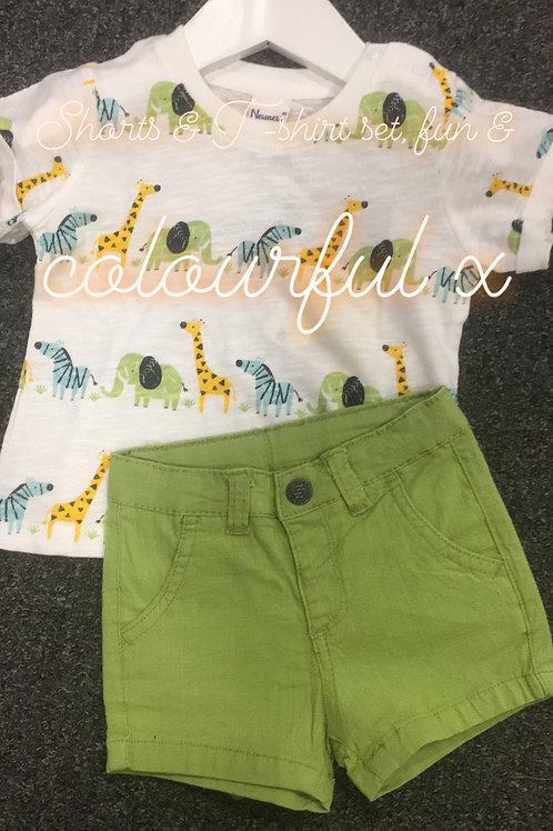 Newness 69052 Shorts and t-shirt