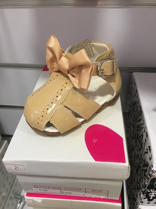 Caramel sandal