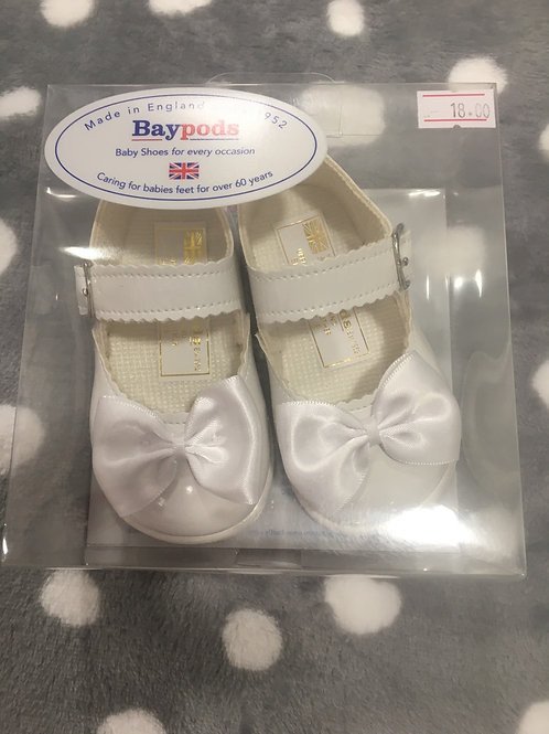 Baypod White patent hard sole shoe with small bow to front