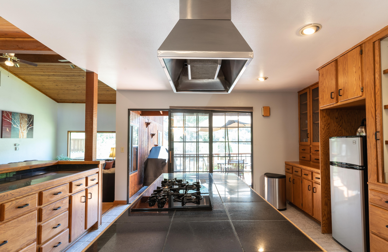 Riverhouse Kitchen Stovetop