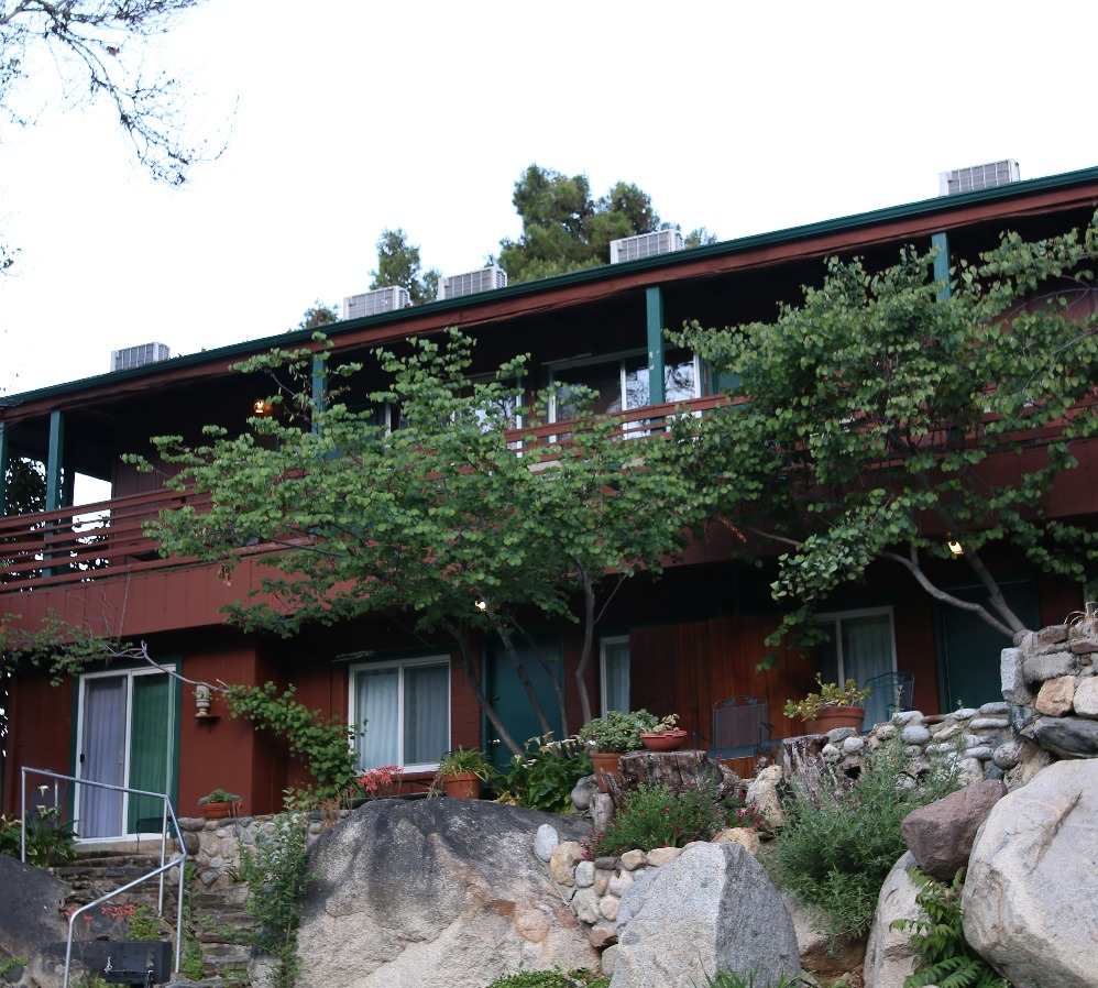 Buckeye Tree Lodge building 1