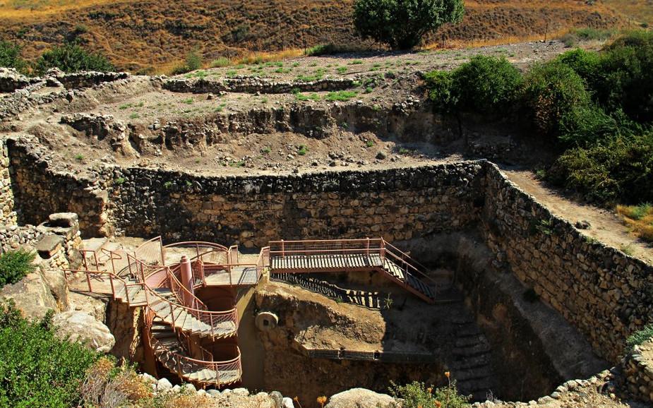 Tel Hazor - The water system