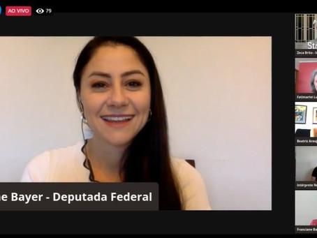 """Liziane Bayer participa do lançamento do projeto """"Revelando o Rio Grande"""""""